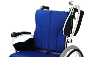 自走式車椅子コンフォート CAH-50SU 肘跳ね上げ機能