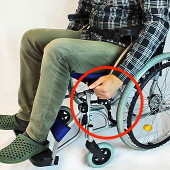 自走式車椅子の駐車ブレーキロック解除