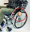 自走用車椅子の動かし方